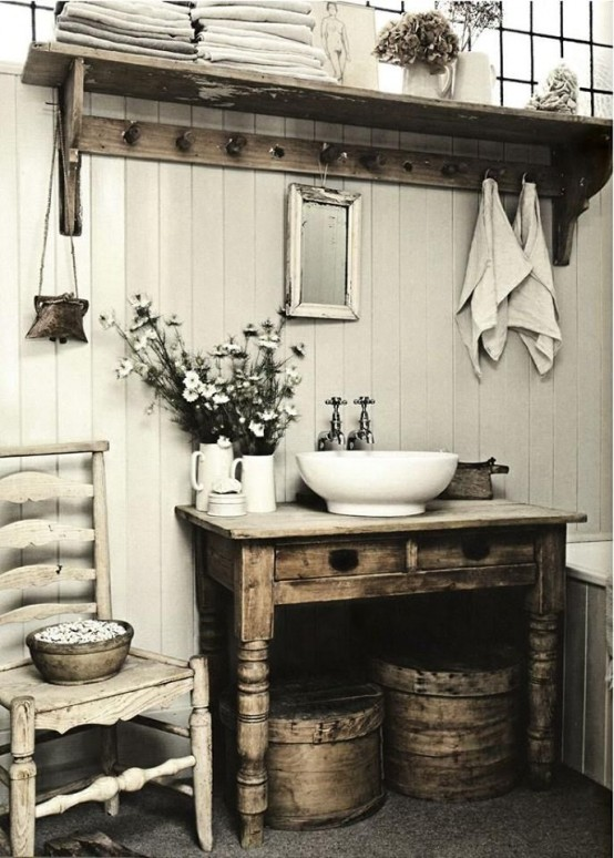 cozy-and-relaxing-farmhouse-bathroom-designs-2-554x774