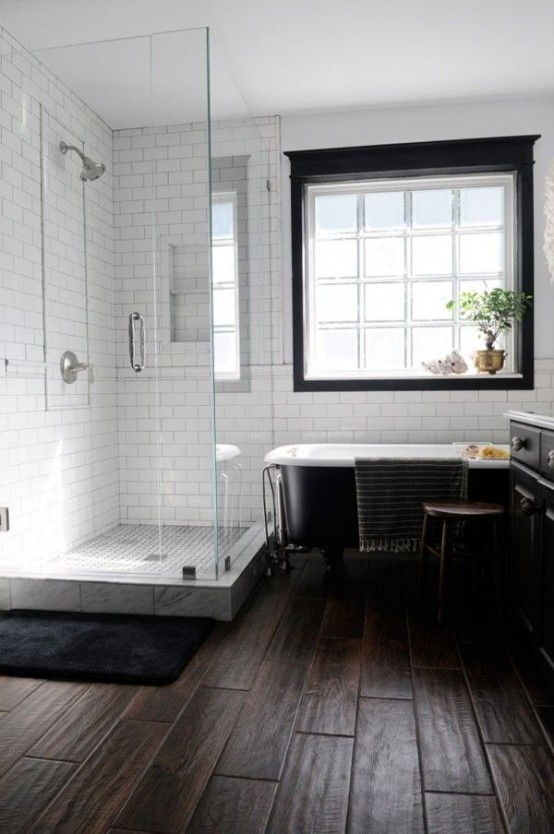 cozy-and-relaxing-farmhouse-bathroom-designs-3-554x834