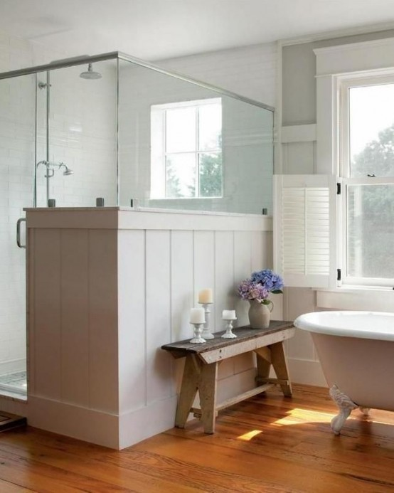 cozy-and-relaxing-farmhouse-bathroom-designs-7-554x693