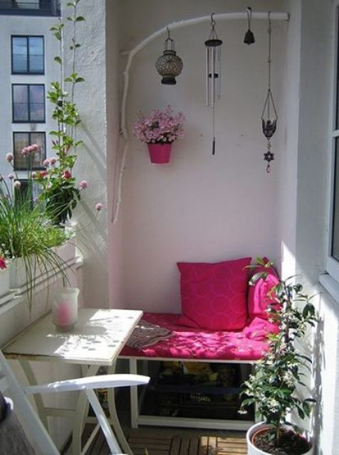 creative-yet-simple-summer-balcony-ideas-to-try-11