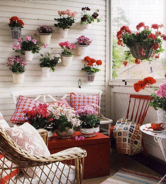 creative-yet-simple-summer-balcony-ideas-to-try-19-554x616