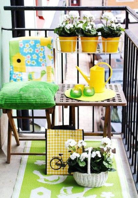 creative-yet-simple-summer-balcony-ideas-to-try-21