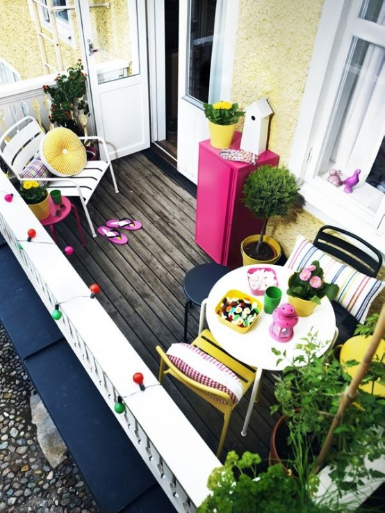 creative-yet-simple-summer-balcony-ideas-to-try-31-554x738
