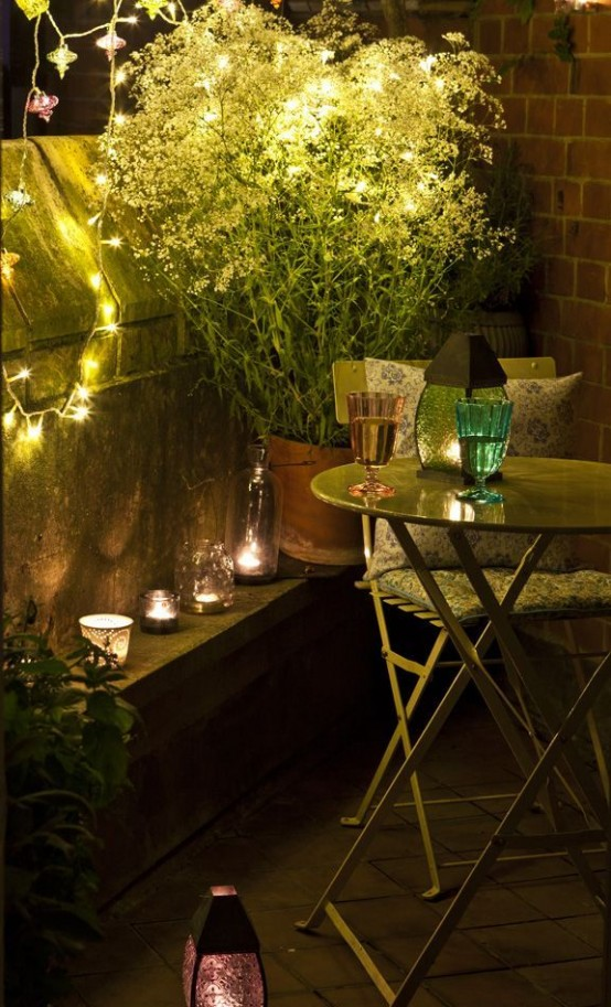 creative-yet-simple-summer-balcony-ideas-to-try-6-554x913