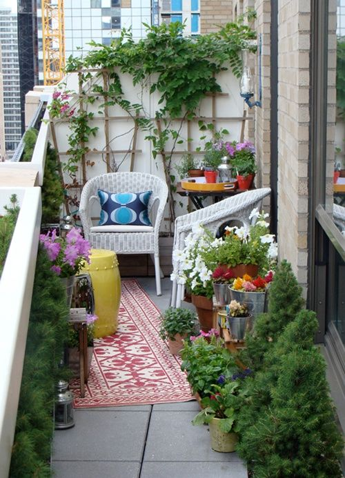 creative-yet-simple-summer-balcony-ideas-to-try-9
