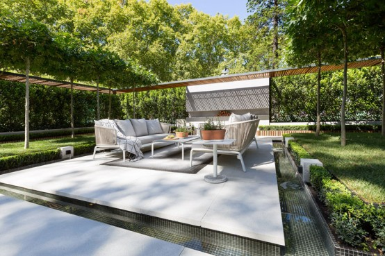 stylish-and-modern-garden-and-terrace-design-by-nathan-burkett-12-554x369