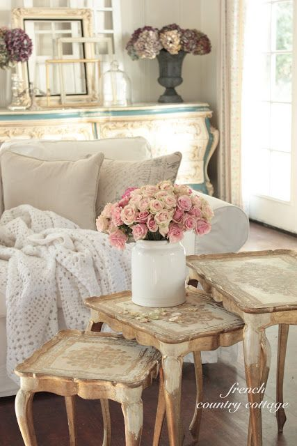 adorable-and-romantic-provence-living-rooms-5