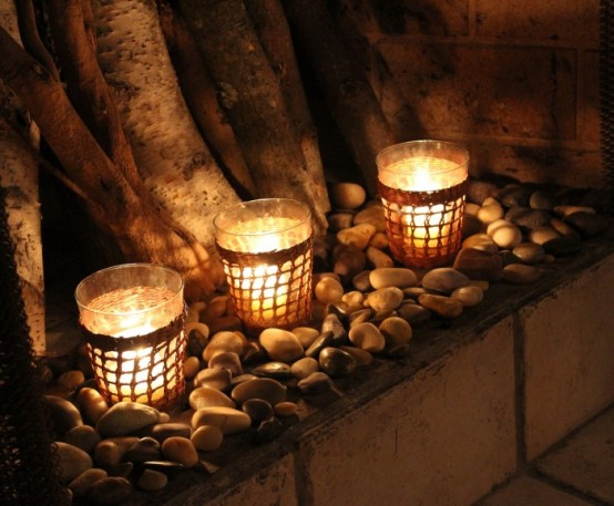 adorable-fireplace-candle-displays-for-any-interior-11-554x457