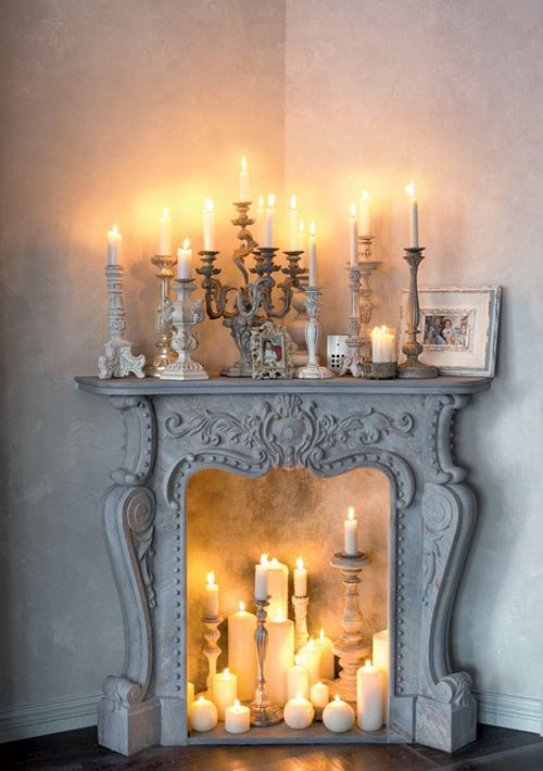 adorable-fireplace-candle-displays-for-any-interior-16