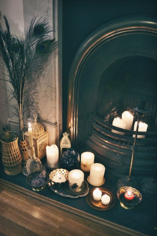 adorable-fireplace-candle-displays-for-any-interior-22-554x831