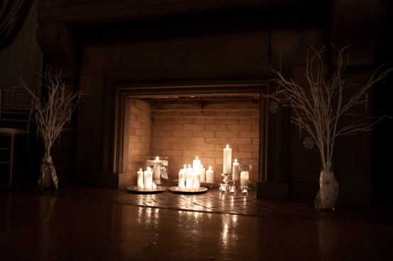adorable-fireplace-candle-displays-for-any-interior-4-554x369