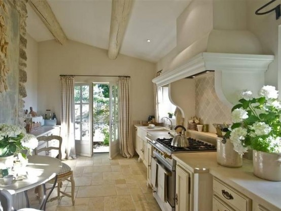 charming-provence-styled-kitchens-youll-never-want-to-leave-13-554x416