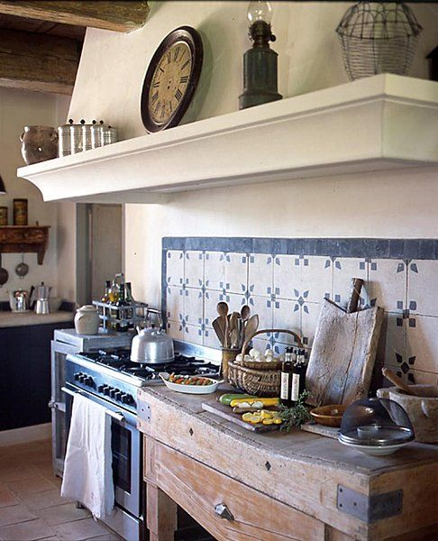 charming-provence-styled-kitchens-youll-never-want-to-leave-3