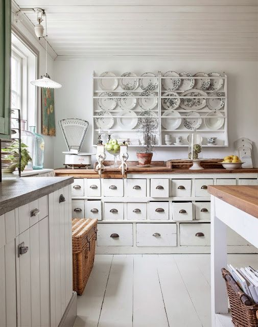 charming-provence-styled-kitchens-youll-never-want-to-leave-30