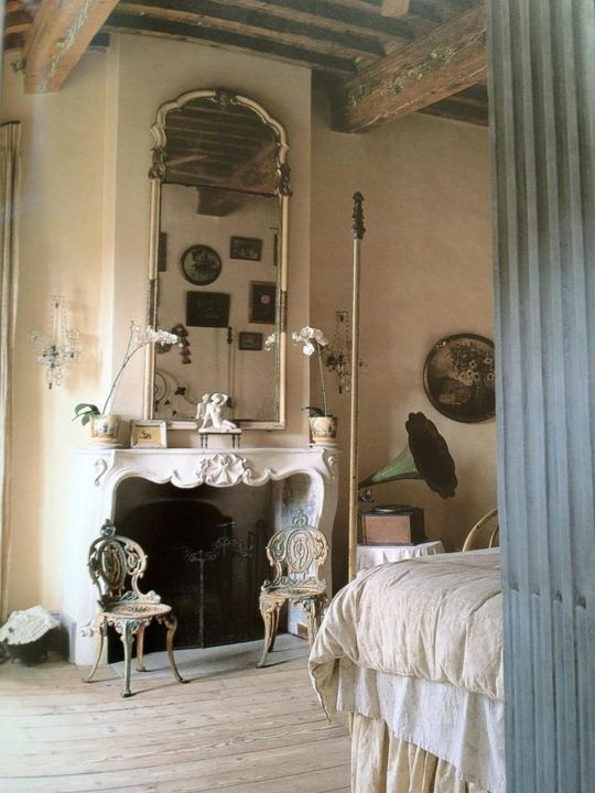 romantic-and-beautiful-provence-bedroom-decor-ideas-11