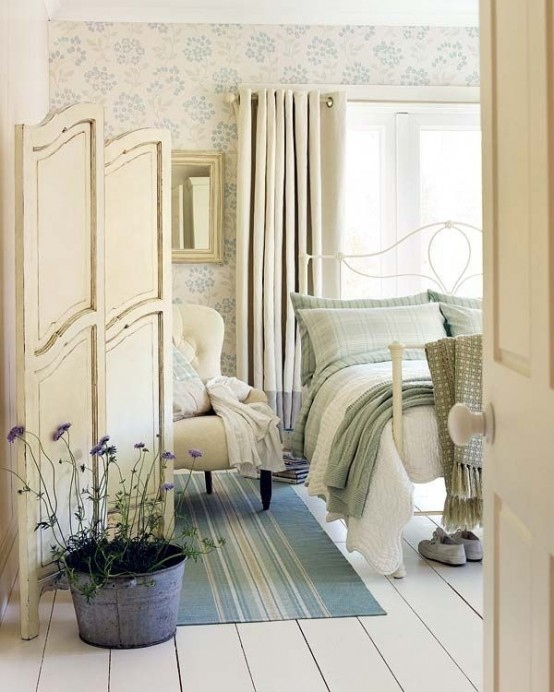 romantic-and-beautiful-provence-bedroom-decor-ideas-17-554x692