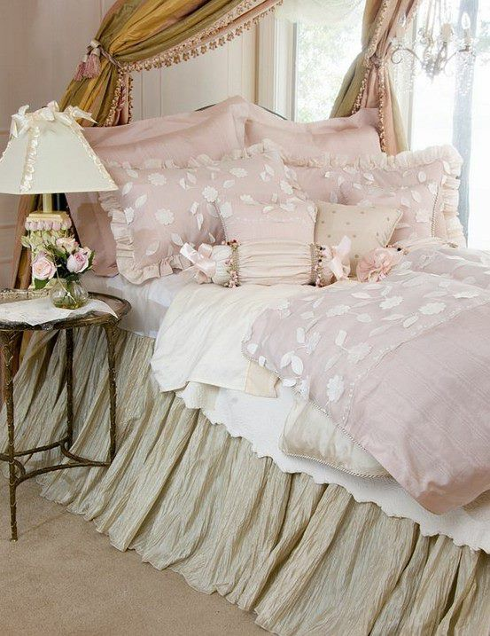 romantic-and-beautiful-provence-bedroom-decor-ideas-21