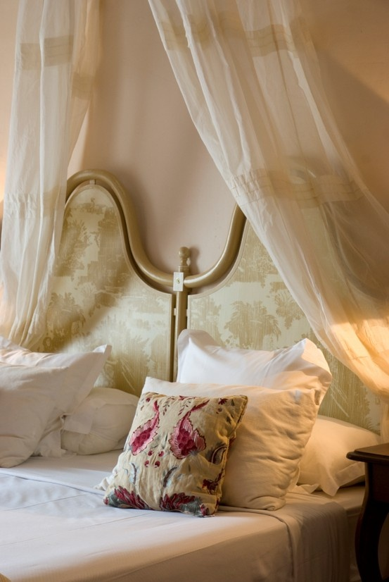 romantic-and-beautiful-provence-bedroom-decor-ideas-22