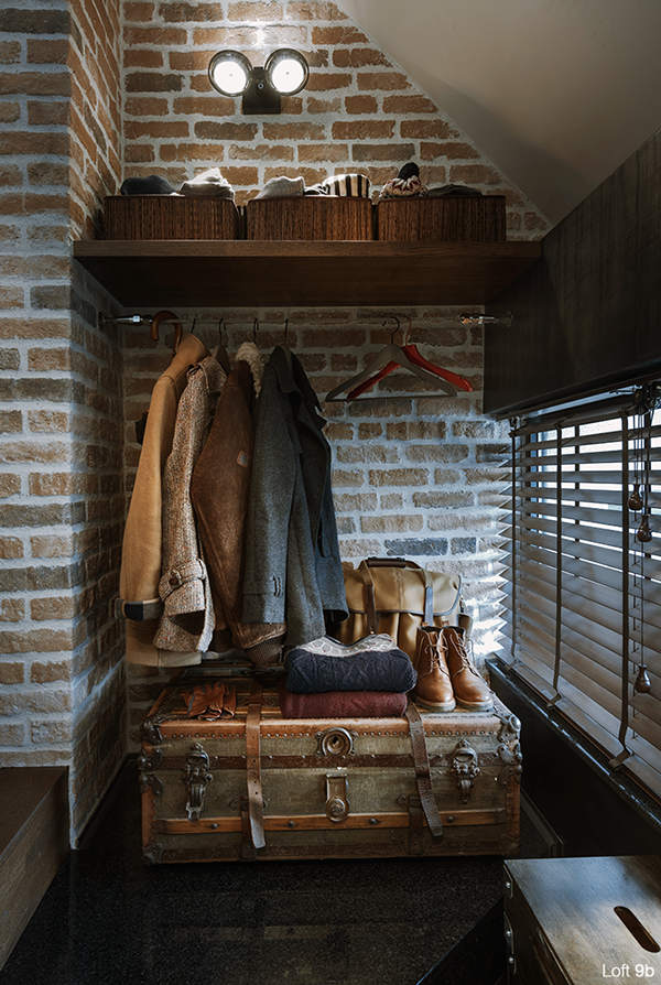 9b-industrial-loft-with-brick-walls-and-lots-of-metal-in-decor-22