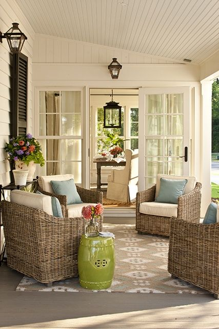 comfy-and-relaxing-screened-patio-design-ideas-11