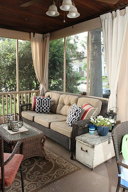 comfy-and-relaxing-screened-patio-design-ideas-2