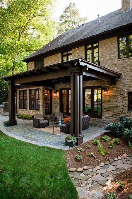 comfy-and-relaxing-screened-patio-design-ideas-24