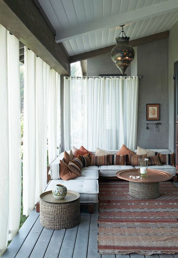 comfy-and-relaxing-screened-patio-design-ideas-27