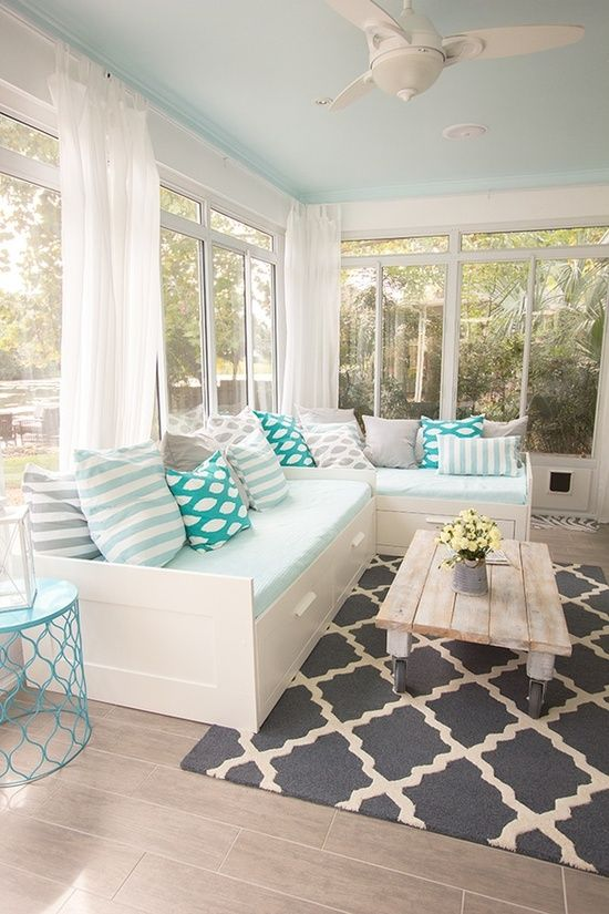 comfy-and-relaxing-screened-patio-design-ideas-5