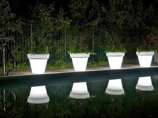 creative-and-original-outdoor-lamps-and-lights-4-554x415