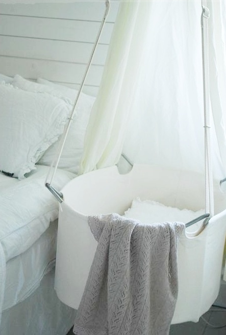gorgeous-suspended-cradles-for-your-baby-22