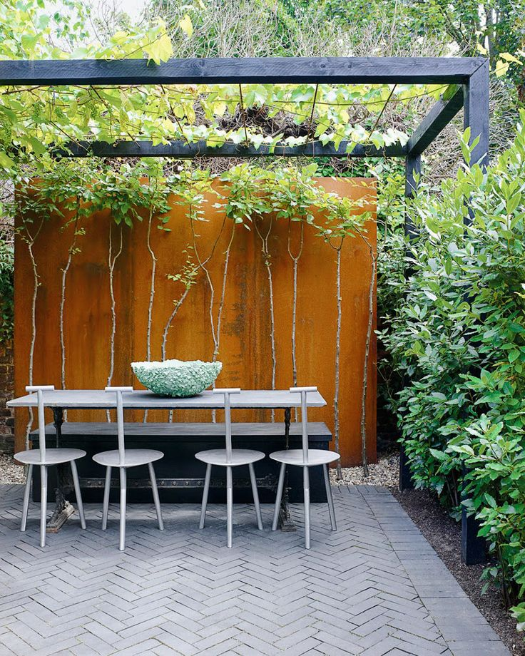 inviting-outdoor-dining-spaces-in-various-styles-10