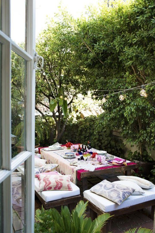 inviting-outdoor-dining-spaces-in-various-styles-15