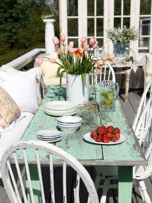 inviting-outdoor-dining-spaces-in-various-styles-21