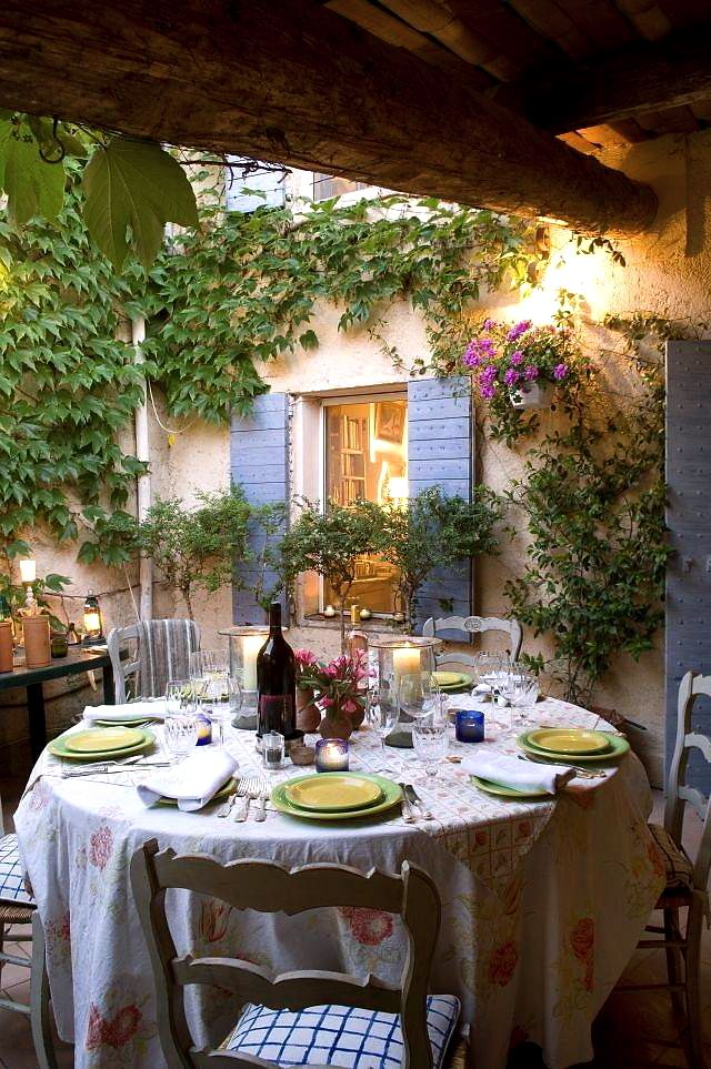 inviting-outdoor-dining-spaces-in-various-styles-22