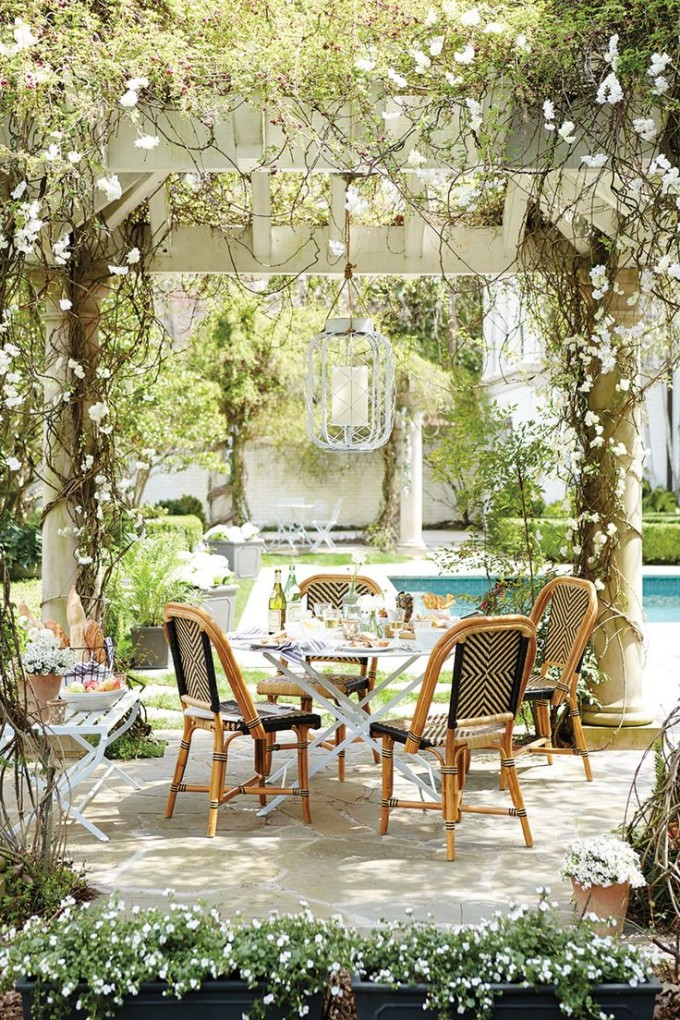 inviting-outdoor-dining-spaces-in-various-styles-30