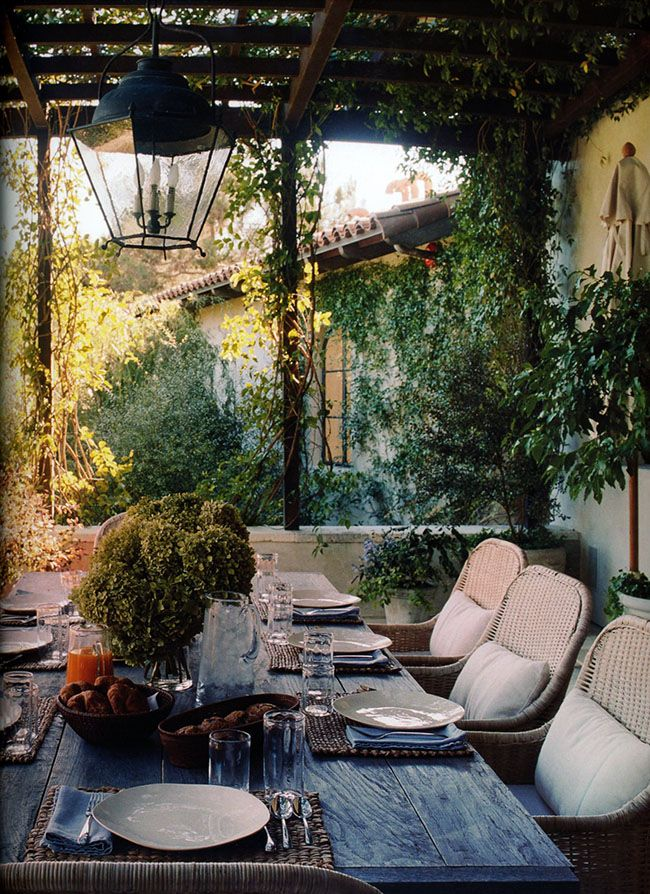 inviting-outdoor-dining-spaces-in-various-styles-37