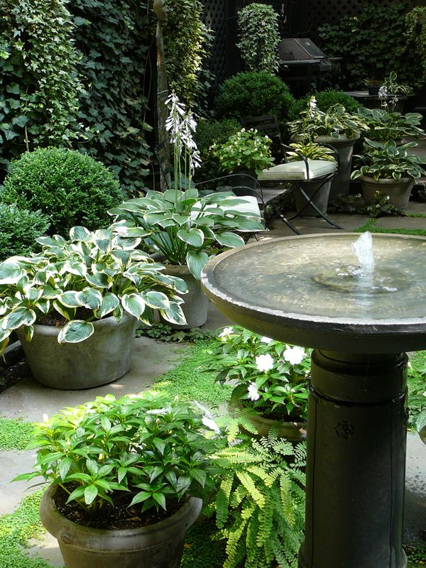 joyful-and-beautiful-backyard-and-garden-fountains-14