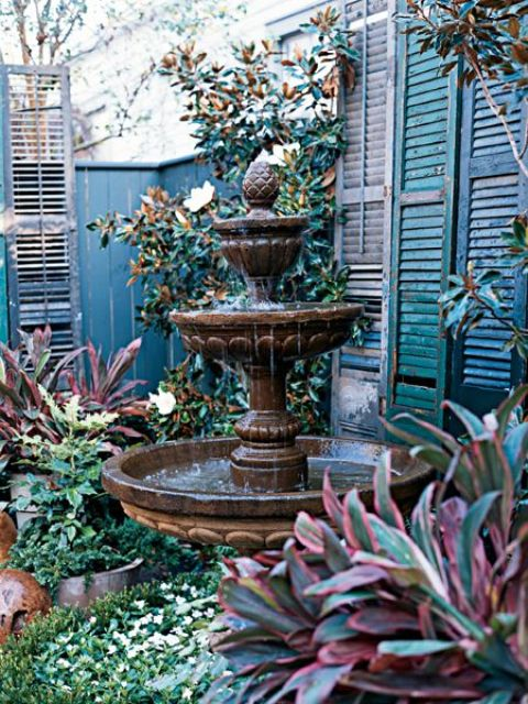 joyful-and-beautiful-backyard-and-garden-fountains-15