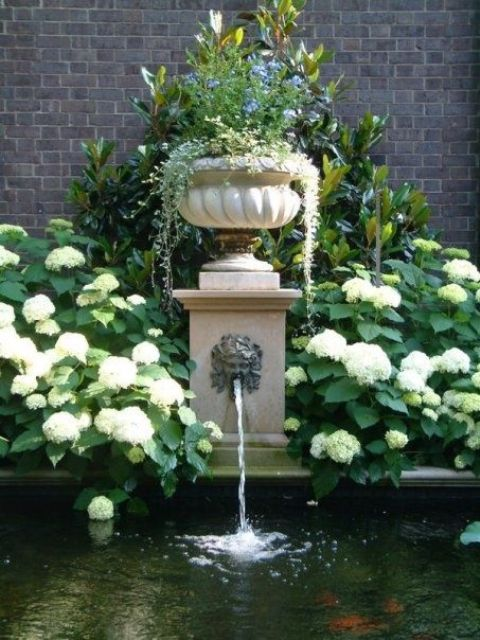 joyful-and-beautiful-backyard-and-garden-fountains-17