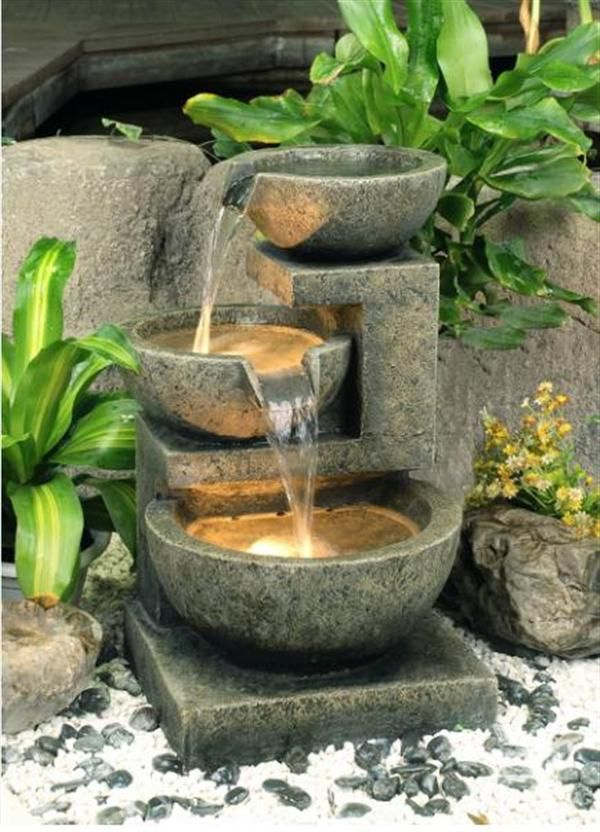 joyful-and-beautiful-backyard-and-garden-fountains-2
