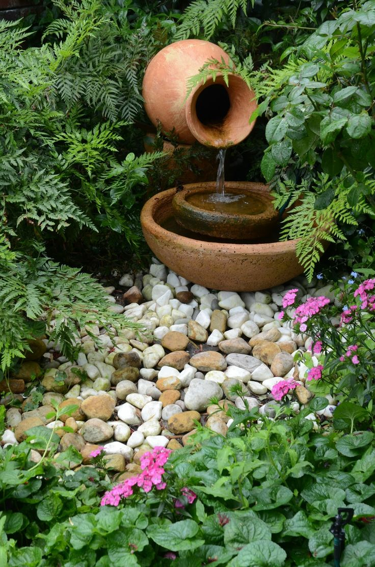 joyful-and-beautiful-backyard-and-garden-fountains-26