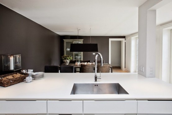 modern-and-industrial-danish-home-with-dramatic-touches-4-554x369