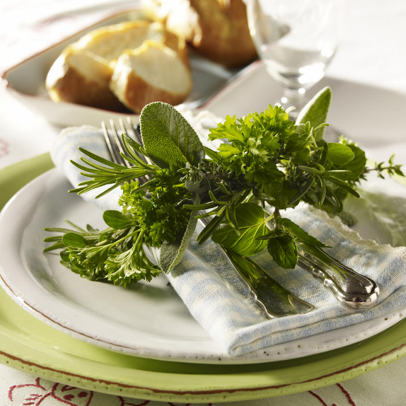 rustic-veggies-and-herbs-tablescape-ideas-4