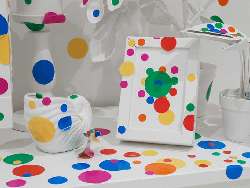 yayoi-kusama-give-me-love-david-zwirner-new-york-designboom-13