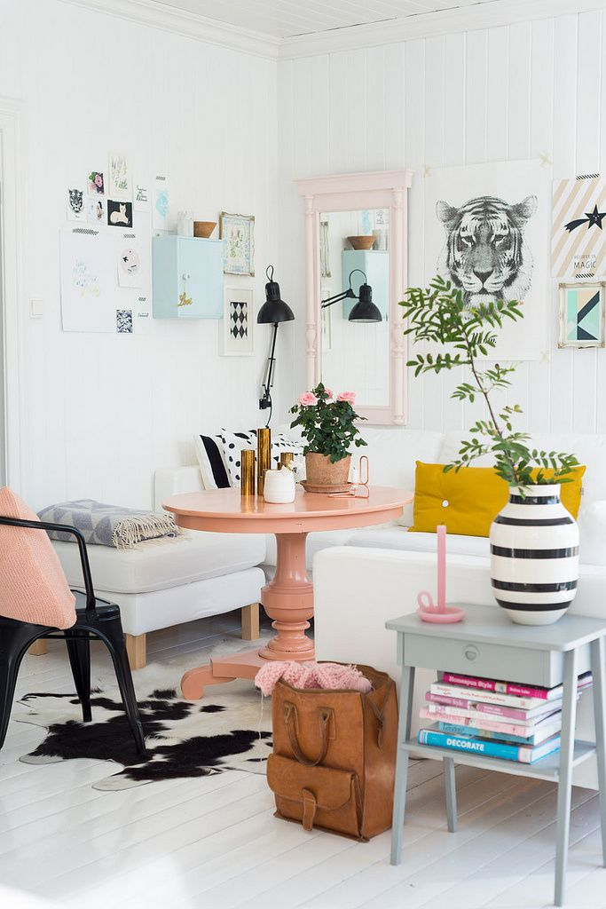 affectionate-peach-accents-in-home-decor-16