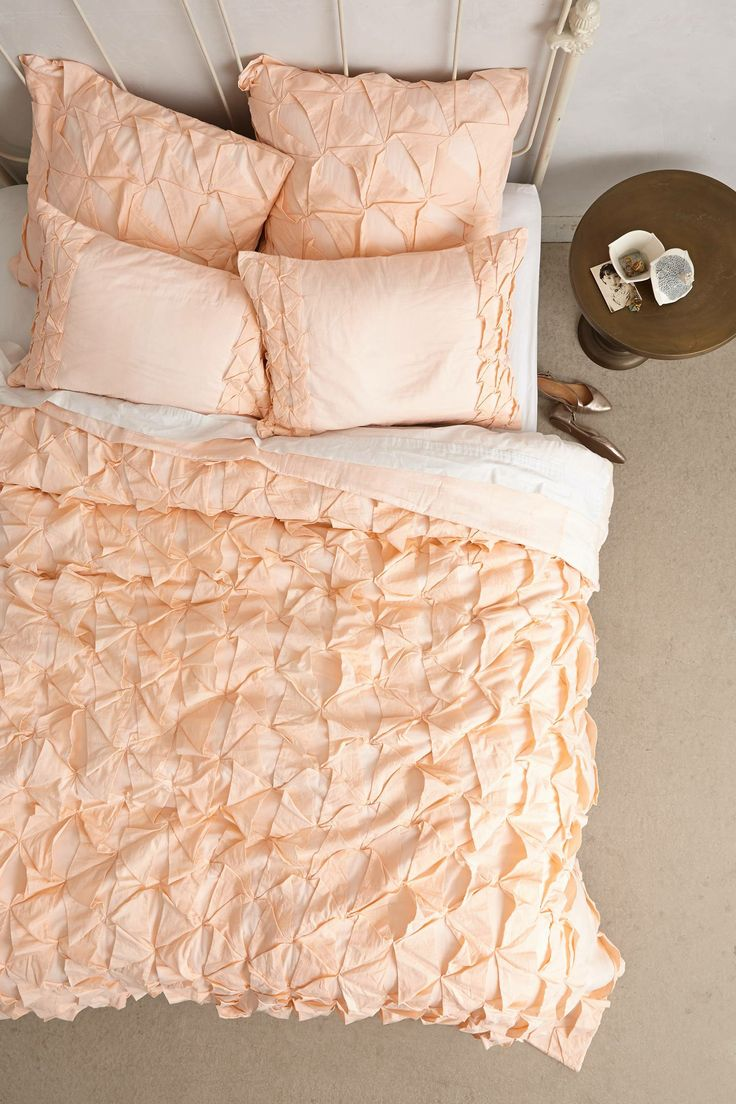 affectionate-peach-accents-in-home-decor-20