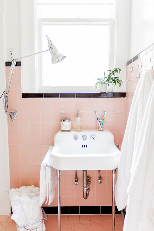 affectionate-peach-accents-in-home-decor-21