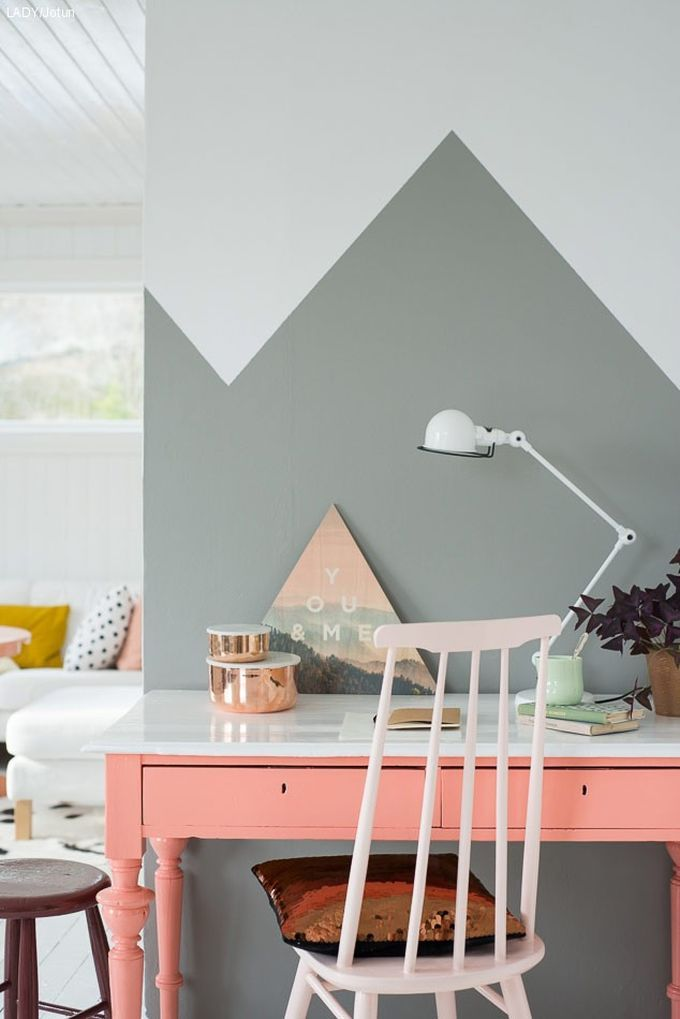 affectionate-peach-accents-in-home-decor-9