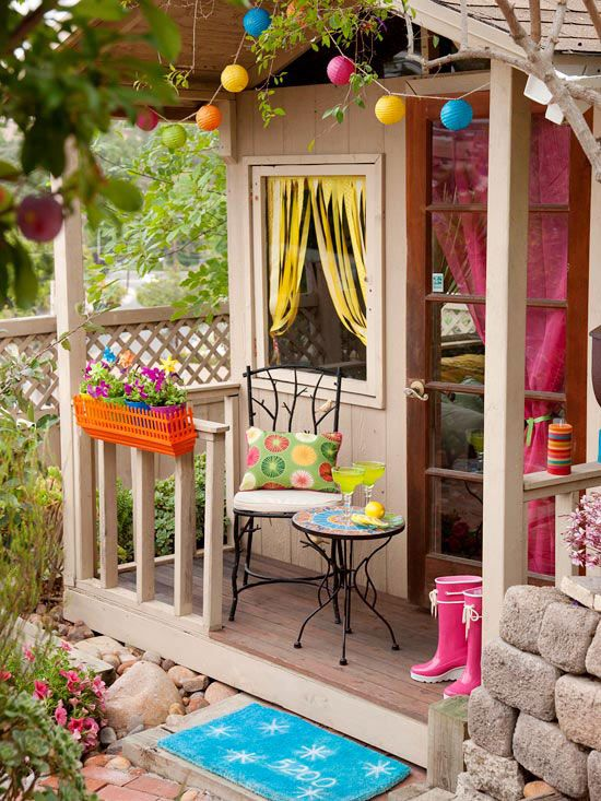 awesome-outdoor-kids-playhouses-to-build-this-summer-10