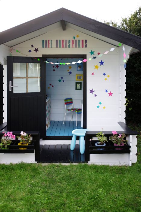 awesome-outdoor-kids-playhouses-to-build-this-summer-18